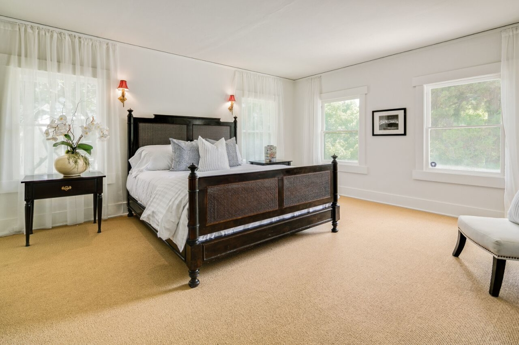 875 S Madison Ave Pasadena CA ensuite bedroom with rooftop deck