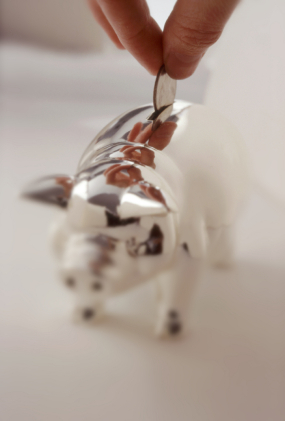 blog piggy bank with coin