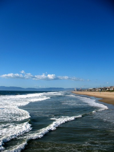 142-the-pacific-ocean-in-manhattan-beach-with-malibu-in-distance
